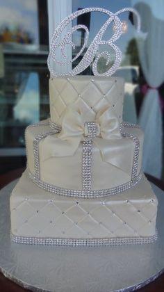 Elegant Modern Silver White Multi-shape Round Square Wedding Cakes Photos & Pictures - WeddingWire.com