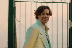 Harry Styles Update, Harry Styles Gif, Harry Styles Pictures, Harry Edward Styles, One Direction, Bae, Harry Styles Wallpaper, Mr Style, Family Show