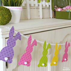 Easy Easter Bunny Bunting {& 13 Egg-cellent Easter Projects} - The Happy Housie