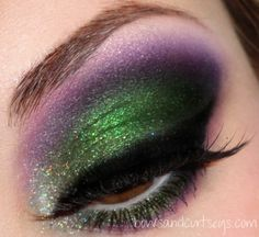 Purple and green, two colors you normally wouldnt put together.. this is aweosme