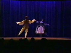 "Baroque Dance: Menuet from Rameau's ""Platée"" (1745) - YouTube"