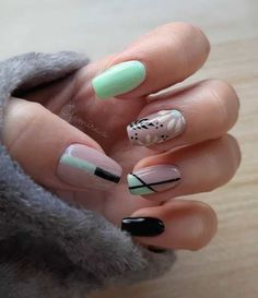 ThereBeauty 4 Trends of Nails Beauty in 2020 French nails style, back to the nails, make life more fun;Natural nails, best just natural. Heart Nail Art, Trendy Nail Art, Oval Nails, Healthy Nails, French Nails, Natural Nails, Long Nails, Cute Nails, Nail Colors