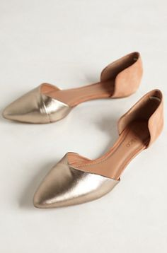 love these gold toe flats #anthrofaves http://rstyle.me/n/pa5bvr9te