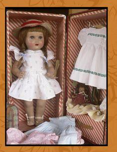 Mariquita Pérez Doll Wardrobe, Vintage Dolls, Doll Clothes, Trunks, Flower Girl Dresses, Mignonette, Wedding Dresses, Irene, 1920s