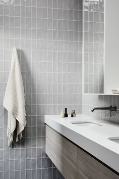 Bathroom Inspo, Bathroom Interior, Milan Apartment, Dutch House, Modern French Country, Interior Architecture, Interior Design, Textures And Tones, Farmhouse Homes