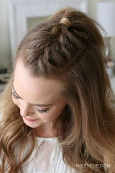 Over Thanksgiving weekend, my friend was asking me how to create this French Mohawk Braid. Since half up hairstyles are some of the most requested tutorials I thought it'd be perfect to share a tutorial with you as well! This is a simple yet edgy… Cool Braid Hairstyles, Easy Hairstyles For Long Hair, Braids For Long Hair, Up Hairstyles, Small Braids, Cool Braids, Medium Hair Styles, Short Hair Styles, Hair Medium