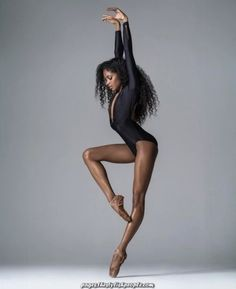 Be totally different Babes ❤️ # nardiaboodoo Nisian Jackson You're in the fitting place about Beaute Inspiration photos Right here we. Misty Copeland, Dance Photography Poses, Dance Poses, Body Photography, Grunge Photography, Urban Photography, White Photography, Newborn Photography, Black Dancers