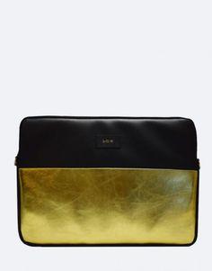 funda-portatil-minimal-metalico-dorado Bags, Collection, Fashion, Notebook Covers, Handbags, Moda, Fashion Styles, Taschen, Purse