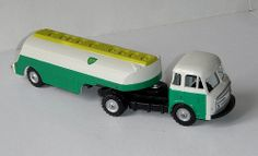 CIJ tracteur Somua Citerne BP