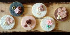 - Vintage on cookies