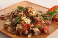Paneer Naal Mirchaan Da Salad: Roasted paneer, capsicum, tomato and onion salad.