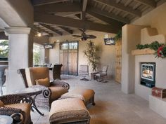Outside Family Room With HDTV in Boca Raton