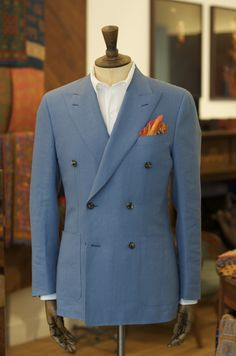 drakes-diary: Drake's x Fedeli polo with Irish. Classy Suits, Cool Suits, Suit Fashion, Mens Fashion, Expensive Suits, Suit Stores, Bespoke Shirts, Designer Suits For Men, Men Style Tips