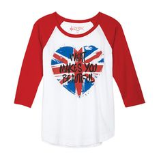What Makes You Beautiful Union Jack Heart (170 VEF) ❤ liked on Polyvore featuring tops, t-shirts, shirts, one direction, blusas, 1d, graphic tees, british flag shirt, shirts & tops and graphic tops