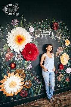DIY Dekorieren DIY Projekt Kunstwand Blumenwand Blumen an welcher Wand bemalt &; DIY Dekorieren DIY Projekt Kunstwand Blumenwand Blumen an welcher Wand bemalt &; Art Mural, Mural Wall, 3d Wall Art, Chalk Art, Paper Art, Diy Paper, Paper Crafts, Wedding Decorations, Spring Decorations