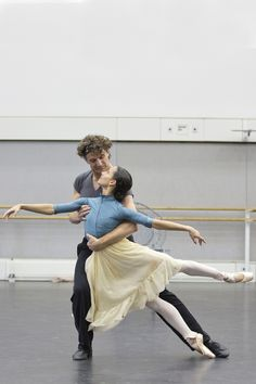 Francesca Hayward and Gary Avis in rehearsal for The Invitation, The Royal Ballet © 2016 ROH. Photograph by Andrej Uspenski