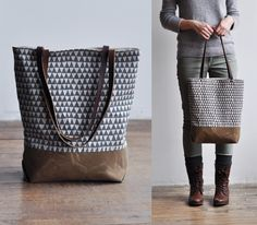 Grey triangle tote from bookhou… Diy Handbag, Diy Purse, Sac Week End, Diy Accessoires, Simple Bags, Knitted Bags, Handmade Bags, Canvas Tote Bags, My Bags