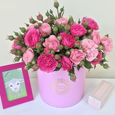 Волшебный букет из пионовидных роз от Madame Fleure ! #madamefleure #доставкацветов #цветывкоробке #пионы #розы #ранункулюс #букет #букетназаказ #love #флористика #f_p_d