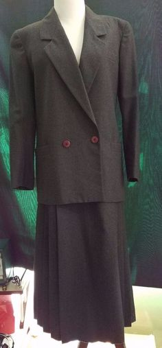 CHRISTIAN DIOR Gray Wool Couture Suit Pleated Skirt XS Double Breasted Blazer…