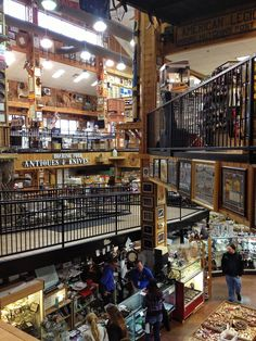 Smoky Mountain Knife Works - #Sevierville #Tennessee. Browse through the vast knife collection and other numerous collectibles!