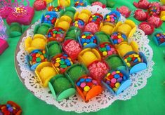 Las Vegas Party, Neon Party, Candy Party, Christmas Crafts To Make, Truffle Recipe, Fondant Flowers, Marzipan, Chocolate Recipes, Sprinkles