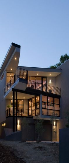The gorgeous Fractured House located in Boulder, Colorado was designed by Studio H: T.