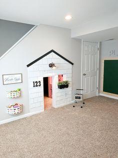Small Kids Playroom Design Ideas Under Stairs Under Stairs Playhouse, Under The Stairs, Playhouse Ideas, Indoor Playhouse, Under Stairs Playroom, Closet Playhouse, Playhouse Decor, Playroom Design, Playroom Ideas