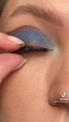 White Eye Makeup, Edgy Makeup, Makeup Eye Looks, Eye Makeup Art, Skin Makeup, Makeup 101, Makeup Dupes, Makeup Inspo, Eyeshadow Makeup