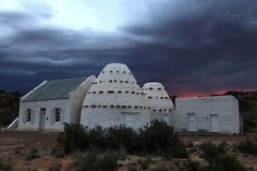 Steve Moseley explores the corbelled houses of the Karoo Beautiful Places To Visit, Oh The Places You'll Go, Pioneer House, Old Houses, Farm Houses, Vernacular Architecture, Ghost Tour, Desert Homes, Holiday Places