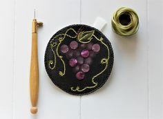 Custom'patch rond , patch rond , écusson rond , patch raisin , écusson raisin , patch brodé , écusson brodé , cadeau pour elle , cadeau ami de la boutique Heollene sur Etsy