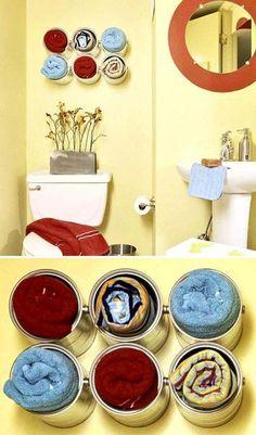 Moldura do espelho pintada? Idéia para o espelho do lavabo...