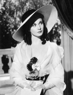 Vivien Leigh in a fabulous big hat, starring in 'That Hamilton Woman'