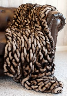 Beau Limited Production Design: Luxurious Shaded Mink Faux Fur Throw * 86 X 60  Inches *