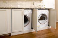 I singoli piccoli armadietti per l'immissione lavatrici, decorare la vita e creare una piacevole atmosfera.