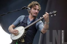 Ok, I might be slightly obsessed and crushing on John Butler. Il est beau et un magnifique chanteur. Music Love, Live Music, Sexy Guys, Sexy Men, John Butler Trio, Gumbo, Banjo, Beautiful People, Music Videos