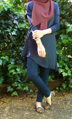 Simple hijab - Turkish girl. Silhouette 2, straight pants, tunic and scarf