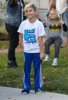 Kingston Rossdale - Gwen Stefani Takes Her Boys to a Play Date