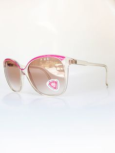 4b1df7487a85 Vintage Sunwear Magenta Pink 1970s Sunglasses Ladies Womens Sunnies Neon  Oversized Huge Indie Hipster Avant Garde 70s Coachella Magenta