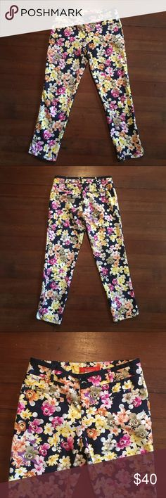 """Anthropologie Cartonnier  Charlie Trousers Miniflora charlie trousers in the size 2. Cute floral pants that are comparable to the Jcrew Cafe Capris.                  Inseam- 25 1/2""""  Waist- 14 1/2"""" flat ( not stretchy) Anthropologie Pants Trousers"""