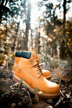 When you think of Timberland boots, you're thinking of these classic waterproof boots. Timberland Boots Outfit, Timberlands Shoes, Timberlands Women, Yellow Boots, Cool Boots, Men's Boots, Korean Fashion Men, Office Shoes, Shoe Company