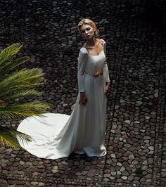 Harper's Bazaar Brides Edition Latin America 06/15 – Emily Senko by Tigre Escobar  #bride #weddingdress #fashioneditorial