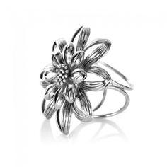 3562af5ce Prsteň na šatku - Kvetinový prstenec - strieborný Starožitnosti, Kvety,  Vintage