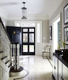 Revere Pewter by Benjamin Moore Love the wall color but LOVE the black doors Revere Pewter Paint, Revere Pewter Benjamin Moore, Black Front Doors, Black Windows, Grey Paint, Neutral Paint, Interior Exterior, Interior Doors, Exterior Paint