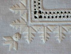 Fils et Aiguilles... une Passion: PUNTO ANTICO - Jacqueline Blanot Drawn Thread, Thread Work, Hardanger Embroidery, Hand Embroidery, Sewing Pants, Motif Floral, Bargello, Cutwork, Tea Roses