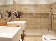 mármore travertino + bancada de madeira