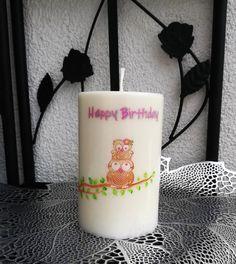 💞  Geburtstagskerze  💞 Liebe Kerzenfreunde, da diese Kerze auf Bestellung gefertigt wird, ist es mir natürlich nicht möglich, sofort nach dem Kauf diese zu versenden. Der Versand wird ca. 3-5 Werktage in Anspruch nehmen. Ich bitte Sie dieses zu berücksichtigen.  #kerzenmalerei #kerzenform #energiepraxisbammer #kerze #unikat #handgemacht #handgemalt #einzigartigekerze #wachsmalen #acrylmalen #kerzengestalten #geschenk #geschenkidee #candle #candledesign #birthday #gift #idea #kerzendesign… Pillar Candles, Glass Of Milk, Happy Birthday, Purchase Order, Owl, You're Welcome, Birth, Presents, Happy Brithday