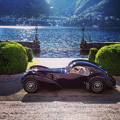 1938 Bugatti Type Atlantic owned by fashion designer Ralph Lauren. Photo taken at Concours d'Elegance at Villa d'Este in Cernobbio, Italy. Bugatti, Vintage Cars, Antique Cars, Vintage Auto, Lake Como Italy, Classy Cars, Capri, Relax, Italy Travel