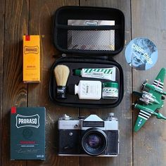 Start the week with a classic Italian shave with Proraso products. Proraso Travel Kit pictured here is now back in stock at OFFEN. #Proraso #travelkit #offenstore  by @chopchopsamara
