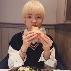 Chung Ho Won_W24 Beautiful Moments, Most Beautiful, Selca, Kpop, Asian Boys, K Idols, Youtube, Korea, Babies