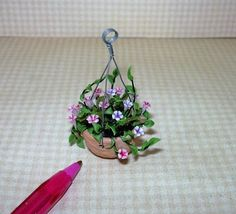 Miniature Flowers Hanging Basket (J), MIXED PINKS AND PURPLES : DOLLHOUSE 1/12